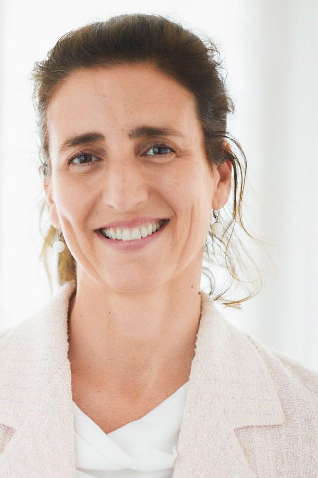 Christine Stöger-Knes Portrait